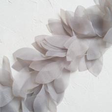 Шифоновые лепестки на ленте, цвет серый, отрез 22 см