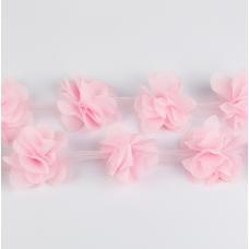 Светло-розовый шифоновый цветок